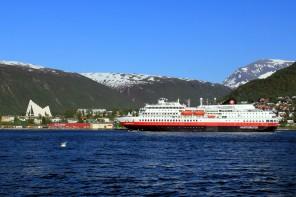 Hurtigruten Tromsöw+