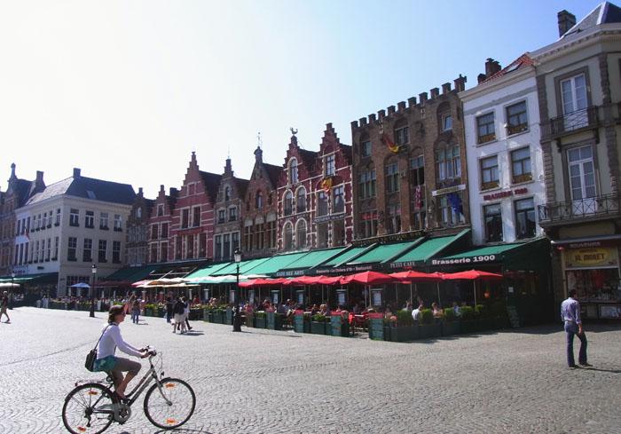 48h_Brügge_Markt_Essen