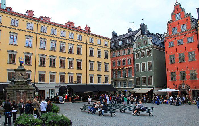 10_Stockholm_Der historische Marktplatz Stortorget mit seinen Cafés_Copyright Thomas Sbikowski