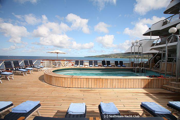SeaDream_Pool an Deck