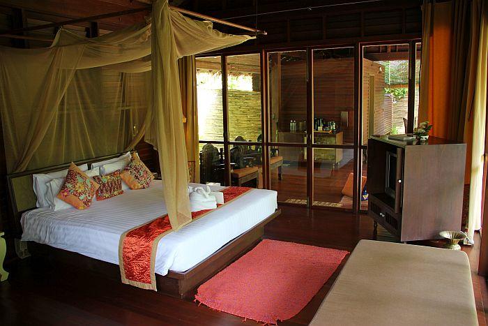 Zeavola Koh Phi Phi Garden Villa bed room