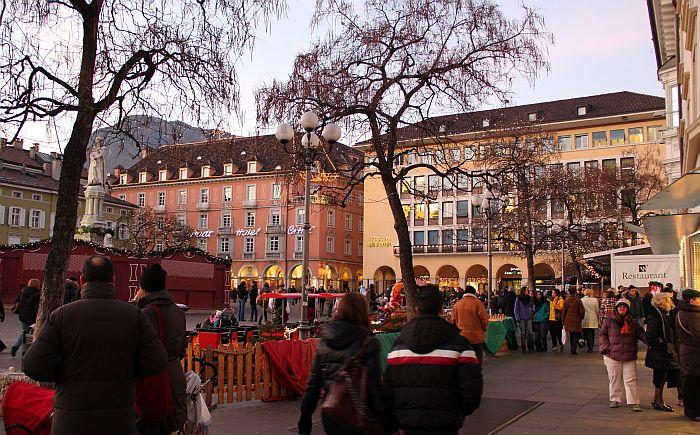 Bozen Bolzano Marktplatz