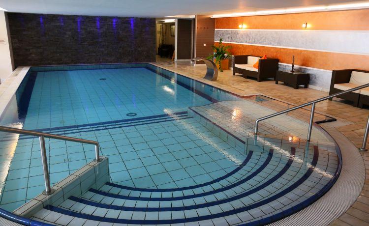 10 Bodenmaiser Hof Wellness Schwimmbad