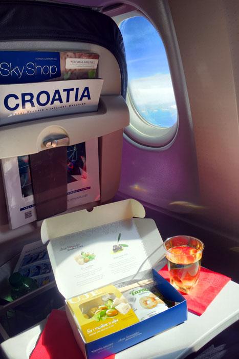 Croatia Airlines Käse, Oliven und Cracker
