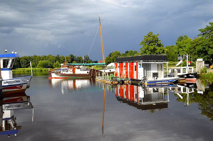 Hausboot Levitate Barßel © Wolfgang Stelljes