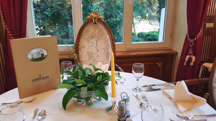 kvarnerpalace-tisch-im-restaurant