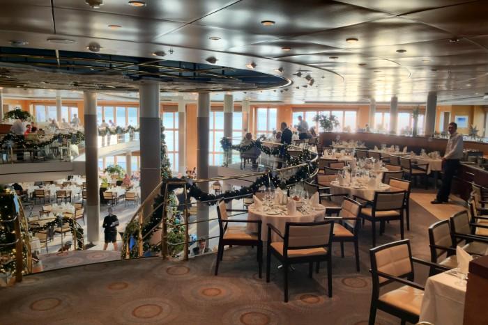 Atlantik-Restaurant an Bord der Mein Schiff 1