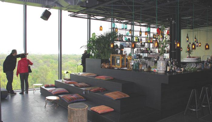 Berlin-Monkey Bar im zehnten Stock des 25hours