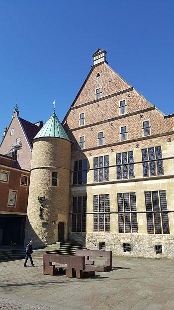 Münster Kurzurlaub Rathaus Rückseite Platz Kunst Westfälischer Friede