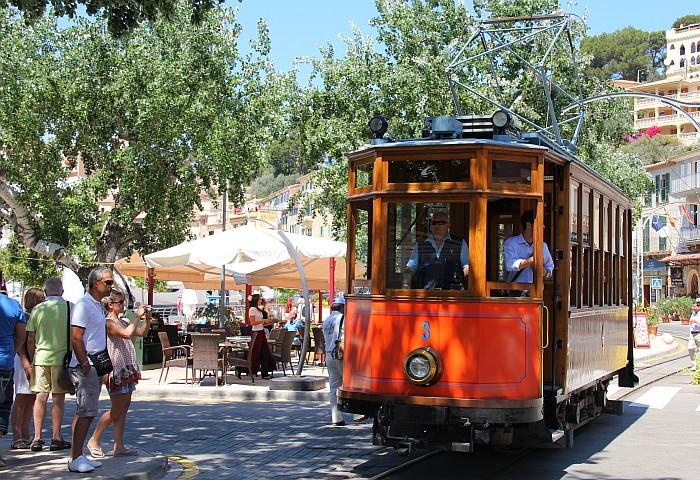 Kurzurlaub Orangenexpress Roter Blitz Mallorca Feiertage 2018