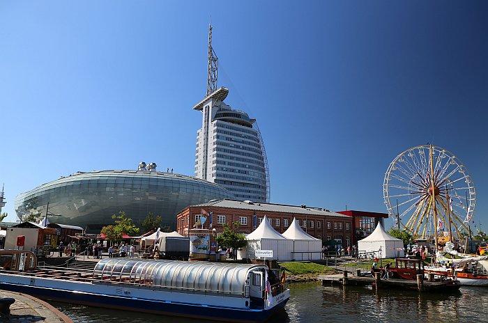 Bremerhaven Havenwelten mit Klimahaus und Sail City