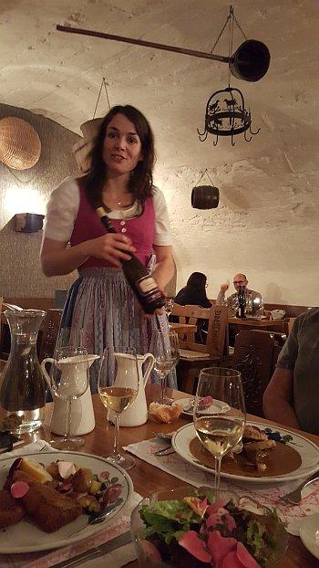 Niederösterreich Wachau Nikolaihof Weinkeller Wein Restaurant
