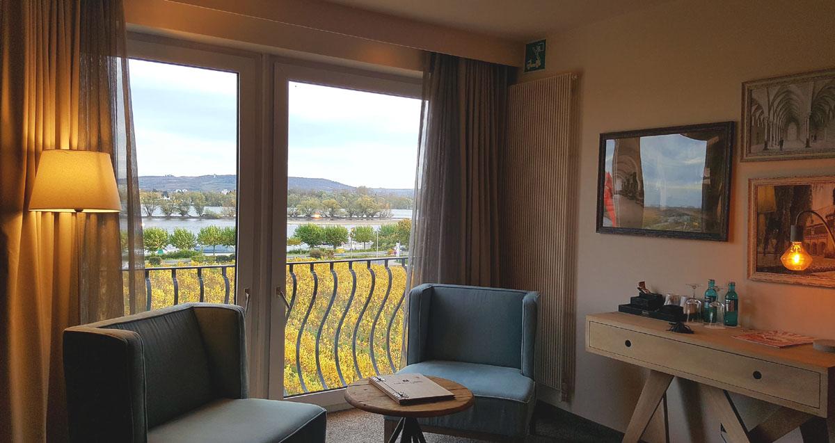 Fine Living Hotel Rheingau_Zimmerblick auf den Jesuitengarten und den Rhein Wellness Spa