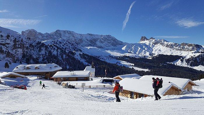 Skiurlaub auf dem Bauernhof_Winterwandern auf der Seiser Alm