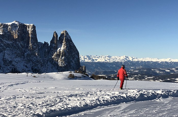 Skiurlaub auf dem Bauernhof Seiser Alm Skifahren mit Ausblick