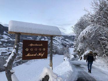 Moarlhof Südtirol Ankunft Roter Hahn