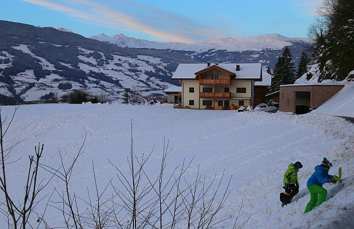 Moarlhof Südtirol Roter Hahn Bauernhof Rodeln
