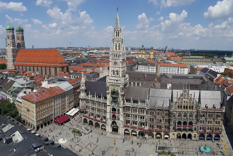 München Panoramabild Rathaus Frauenkirche