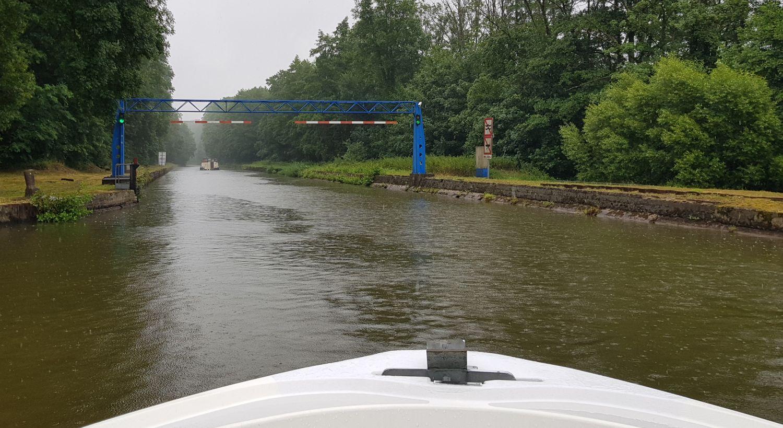 Le Boat Hausboot Canal de la Marne au Rhin Tunnel Schiffshebewerk