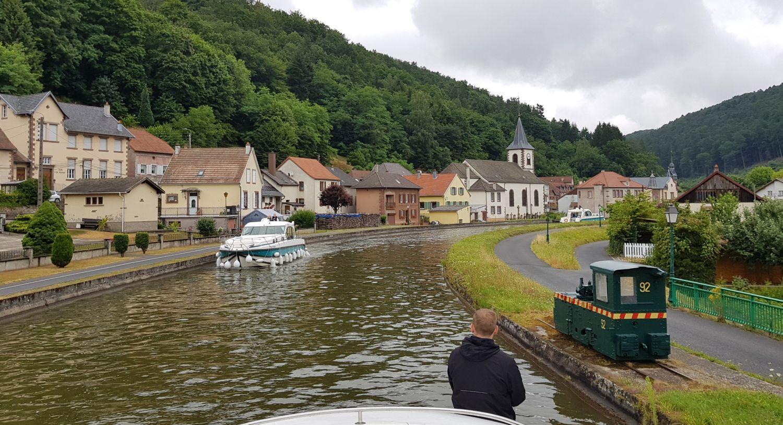 Le Boat Hausboot Lutzelbourg