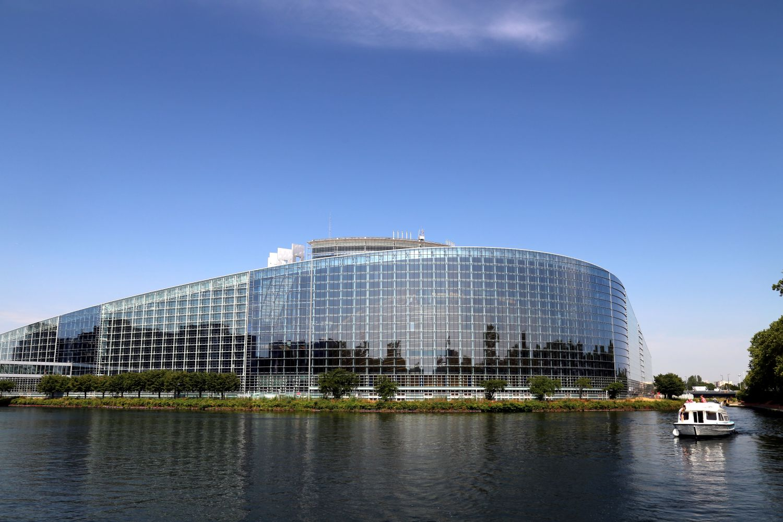 Hausboot Elsass Straßburg Le Boat Europaparlament